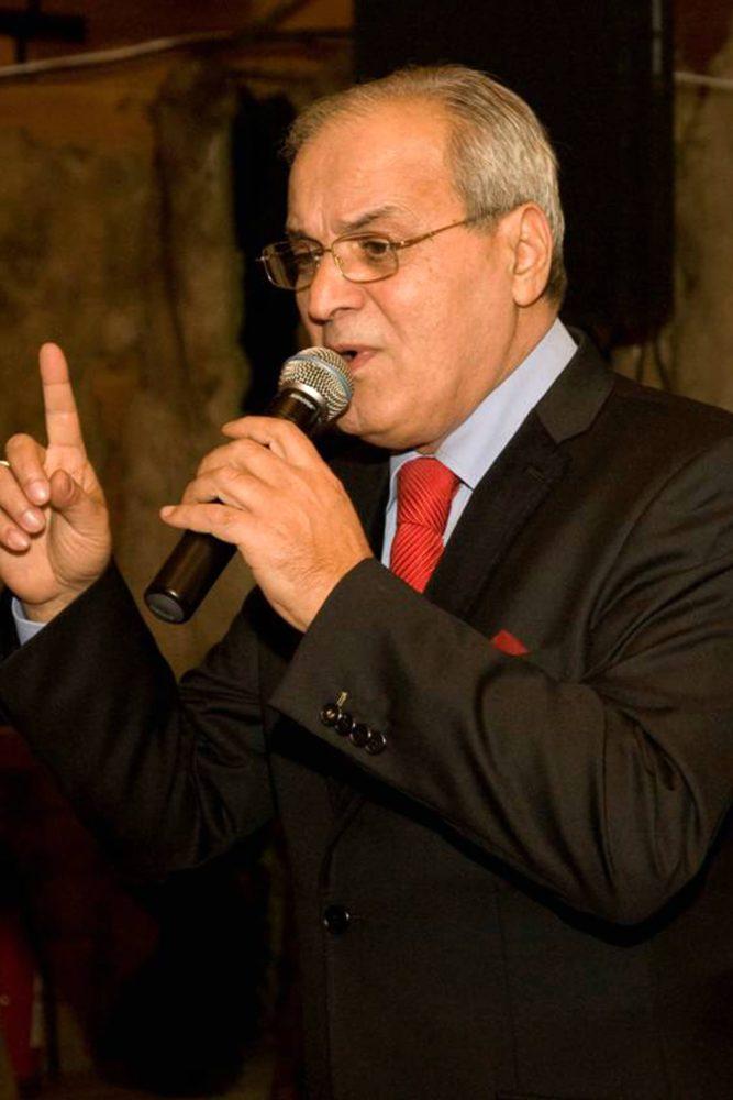 Formatia Nelu Ploiesteanu este alcatuita din faimosul solist Nelu Ploiesteanu, o solista de muzica folclorica, o solista de cover si un grup de instrumentisti talentati. Formatia poate canta muzica de petrecere, muzica lautareasca, muzica folclorica sau covers atat in Bucuresti, cat si in restul tarii.