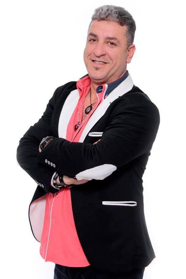Gazi Demirel este un solist de origine turca cu o experienta de invidiat in domeniul divertismentului. Fiind atat un actor iscusit, cat si un solist de invidiat, Gazi promite un show de exceptie, putand canta muzica orientala, turceasca, arabeasca, folclor si pop turcesc sau covers in Bucuresti sau in restul tarii.